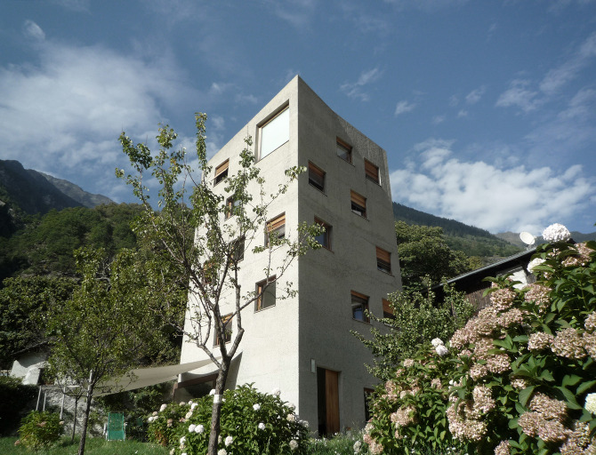 Villa garbald extension eira for Greentown villas 1 extension